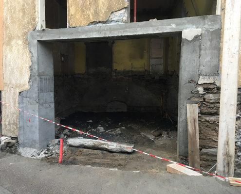 Réalisation d'une porte de garage par Maçonnerie Pouget